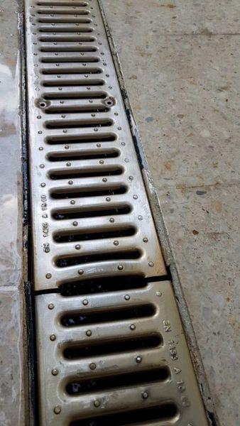 Доставка и полагане на линеен сифон-2